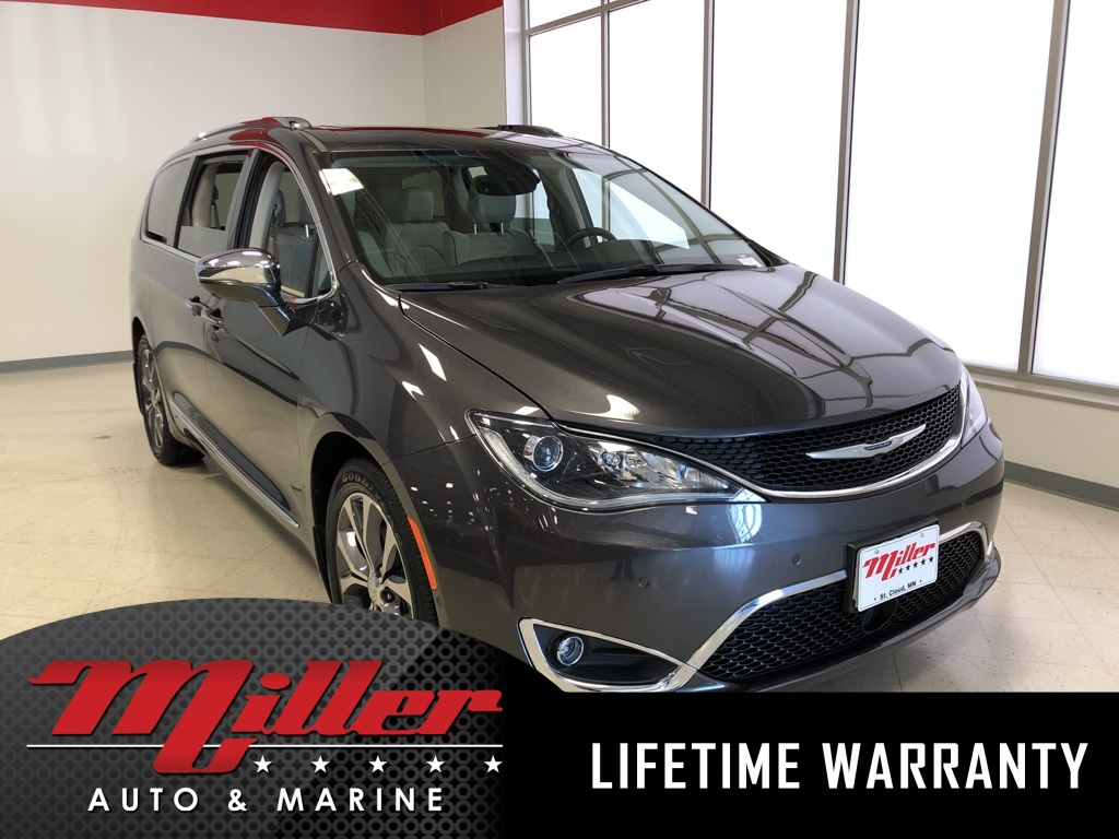 Pre Owned 2017 Chrysler Pacifica Limited